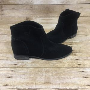 Restricted Boots Half Ankle Black Suede Size 7.5